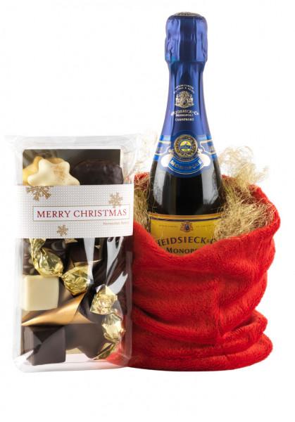 Champagner mit festlicher Confiserie